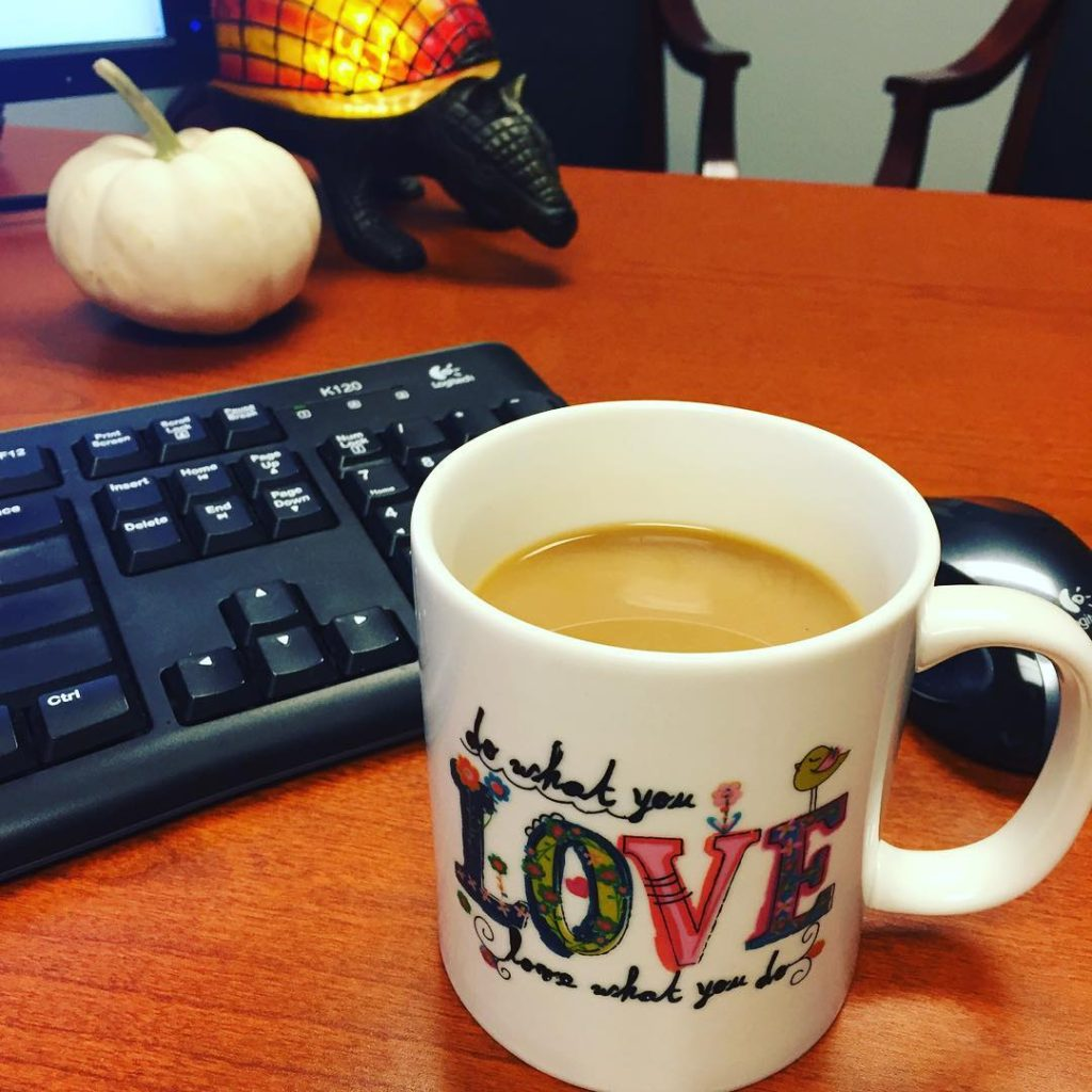 Because #nationalcoffeeday #everydayiscoffeedaytho #dowhatyoulove